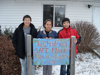 Native American student leaders sponsor holiday food drive